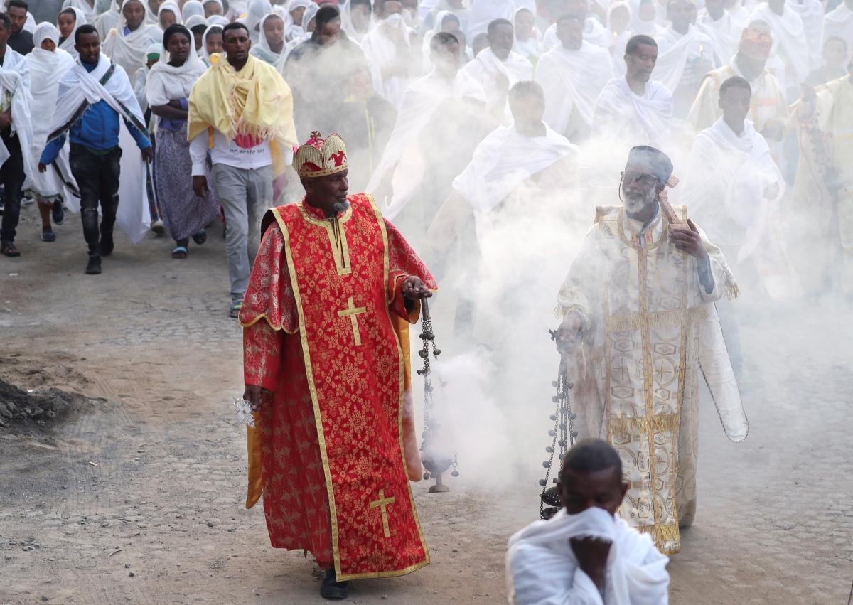 В Эфиопии устроили крестный ход против COVID-19 / REUTERS