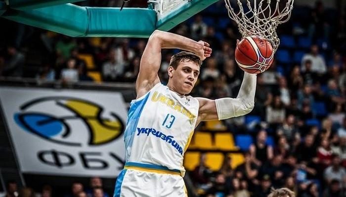 Бобров теперь лечит пневмонию / фото: fiba.basketball