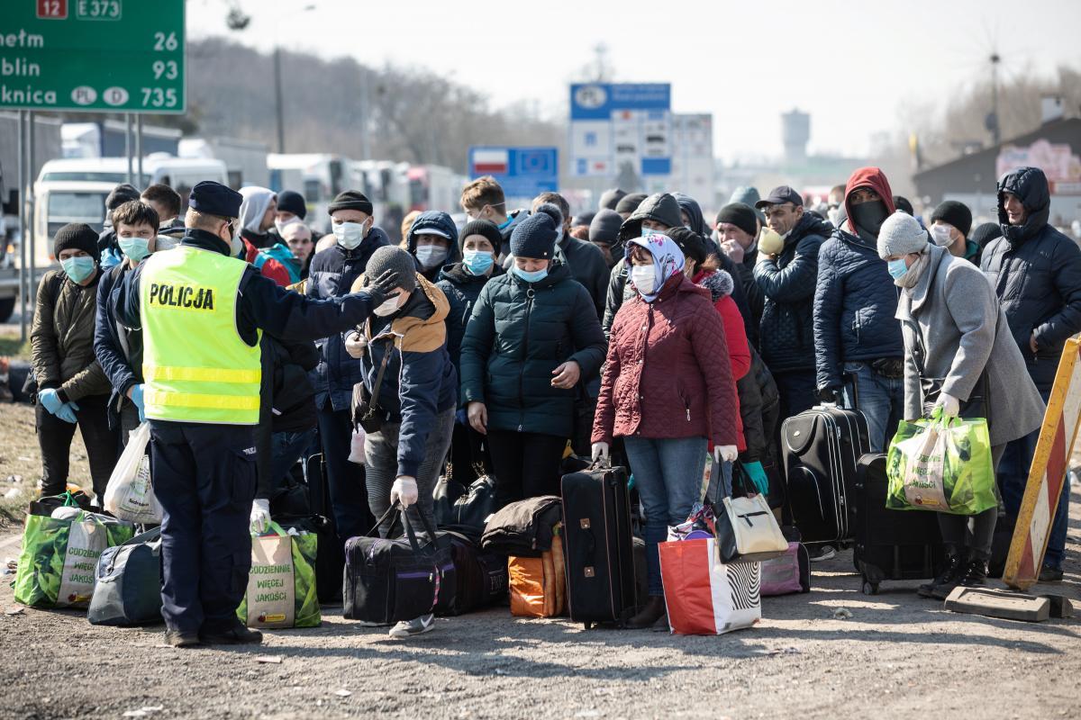 Польша хочет вакцинировать украинских заробитчан на границе / фото REUTERS