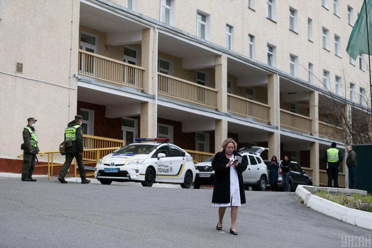 Почти 80 человек госпитализированы за сутки / фото УНИАН