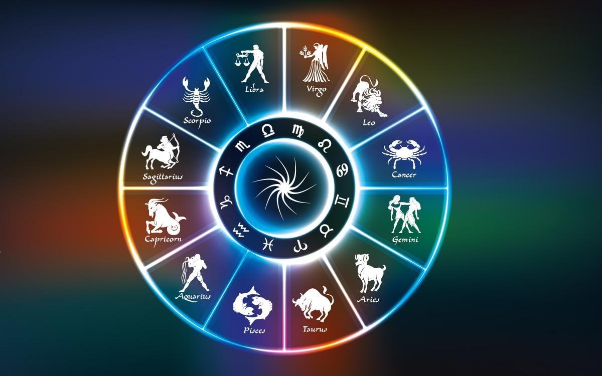 Известный астролог Павел Глоба предсказывает успех четырем знакам Зодиака / kadinim.com