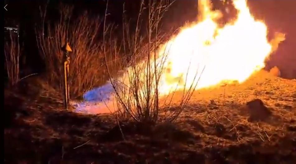 Благодаря прекращению газоснабжения пожар удалось локализовать / фото facebook.com/lvivgaz