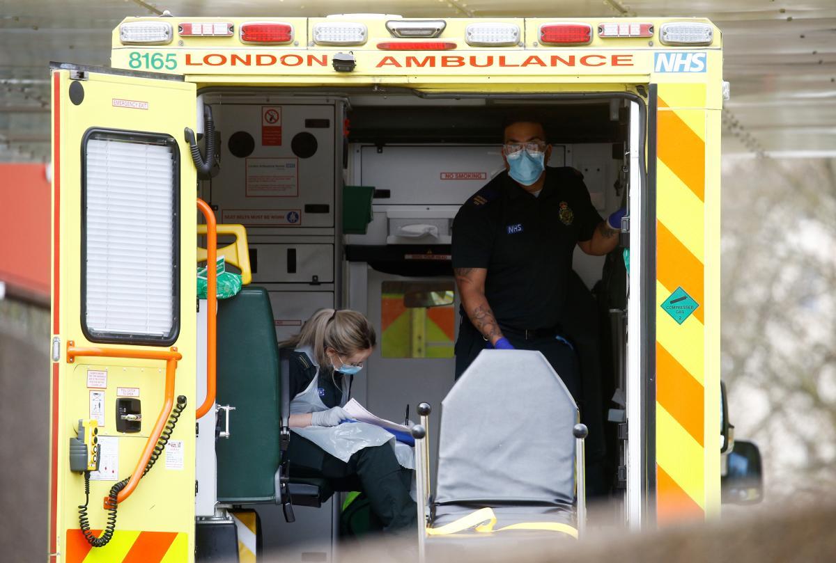 Британия установила новый антирекорд по смертности от COVID-19 / REUTERS