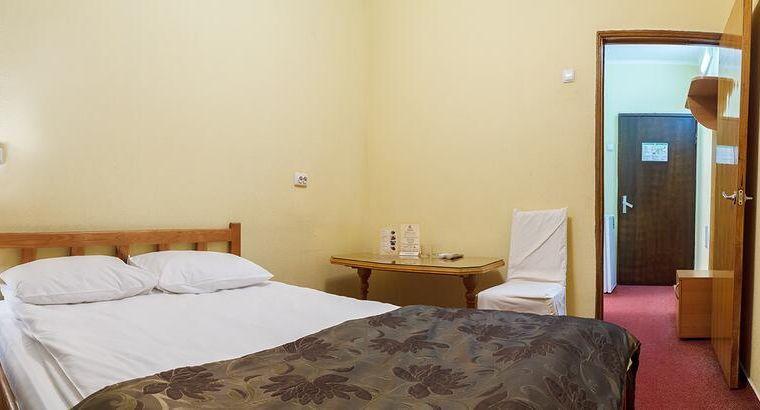 """Один из номеров в отеле """"Козацкий"""" / booking.com"""