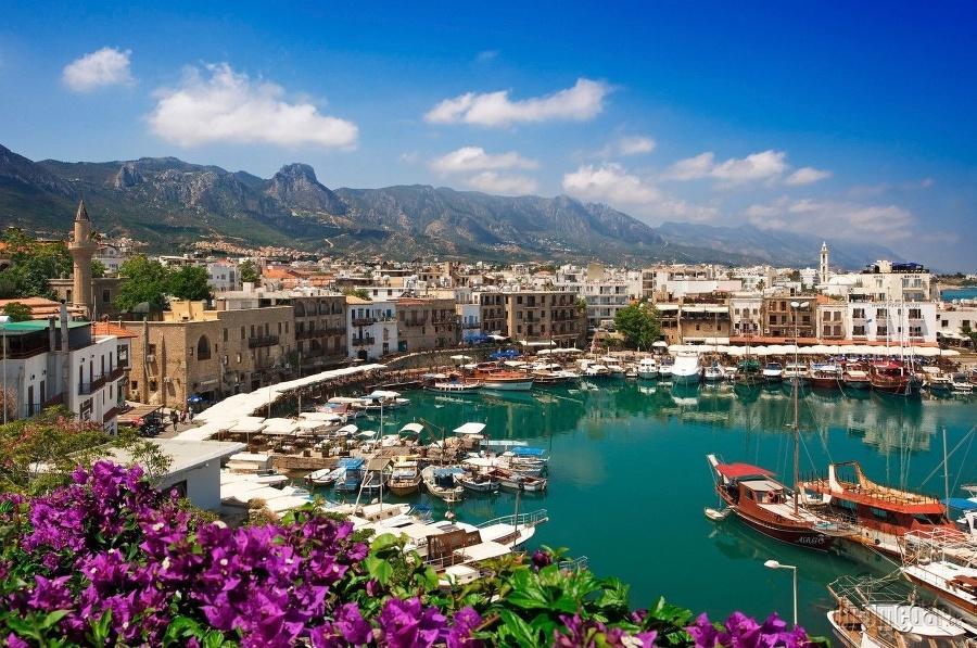 Кіпр дозволив в'їзд туристів із 1 березня/ фото royalmile.com.ua