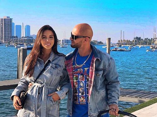 Еще недавно Самойлова делилась в Instagram милыми семейными фото / Instagram Оксана Самойлова