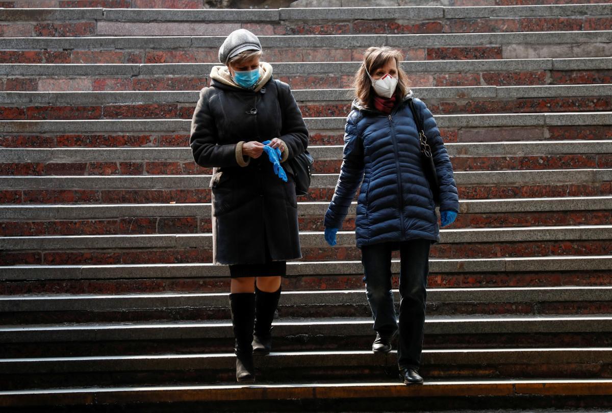 В Україні від коронавірусу померли понад 26 тисяч осіб / фото REUTERS
