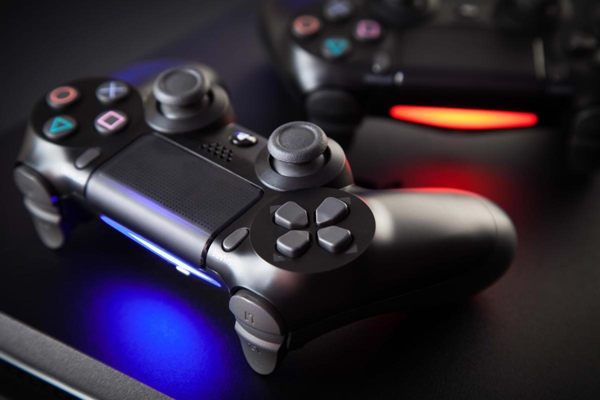 DualShock 4 / onties.com