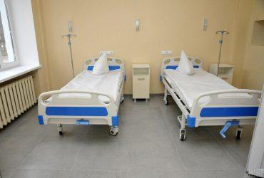 У Тернополі вісім лікарів інфекційного відділення звільнились через COVID-19