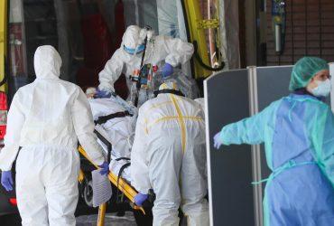 """""""Страх можна відчути в повітрі"""": лікарі Іспанії розповіли про жахи пандемії коронавірусу"""