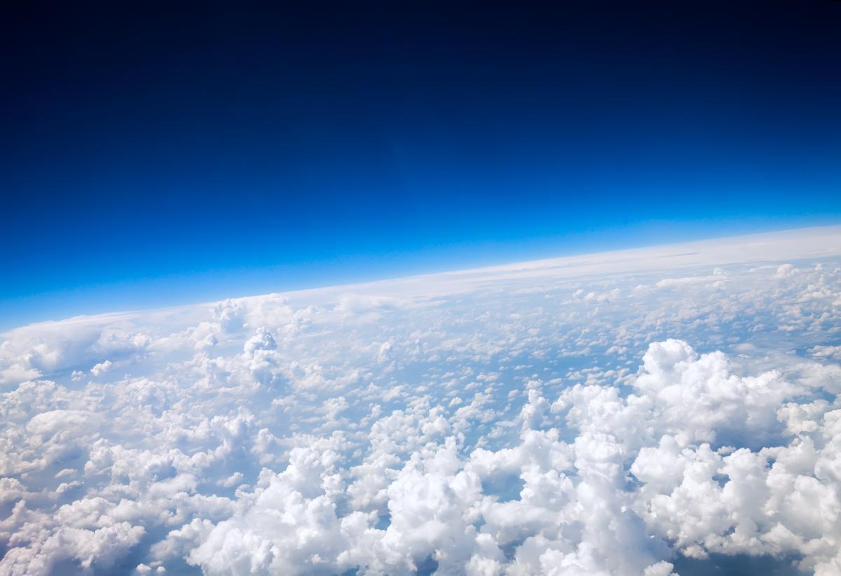 Озоновая дыра - значительное падение концентрации озона в озоновом слое планеты / фото Depositphotos