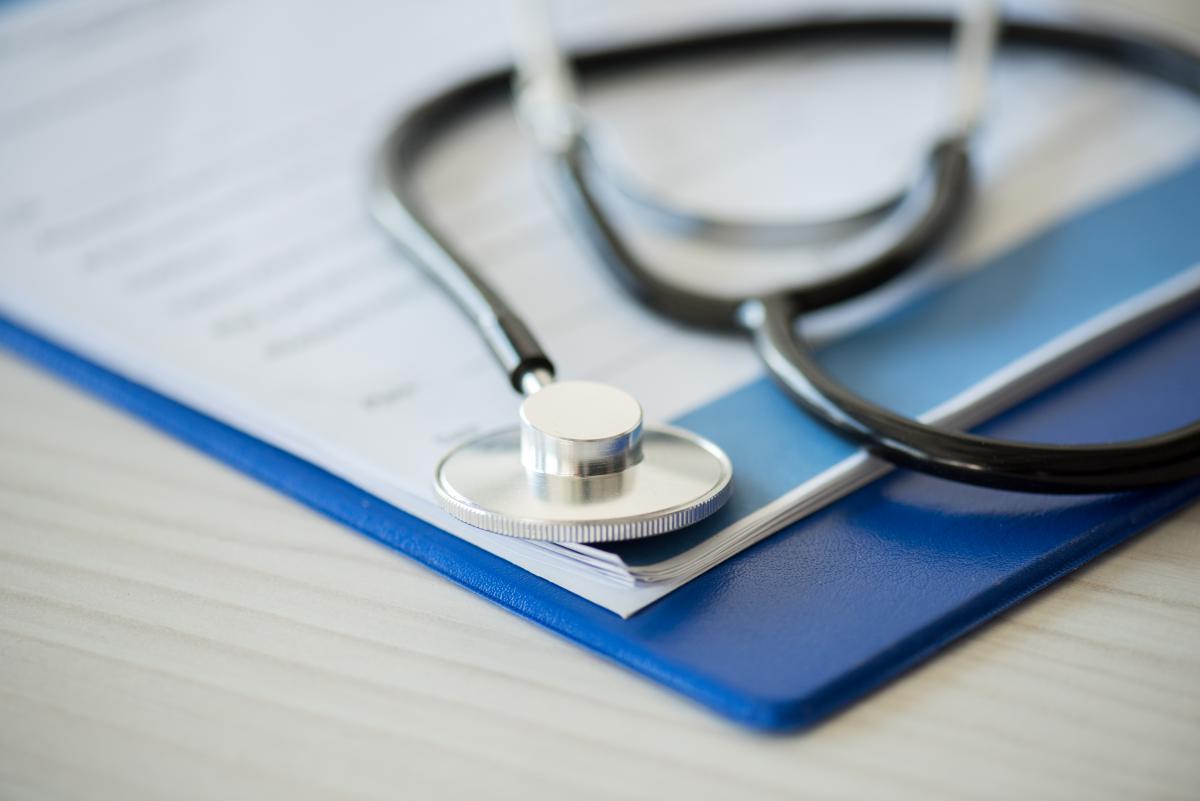 Якщо медик провів консультацію пацієнта, то його робота буде оплачена / фото: ua.depositphotos.com