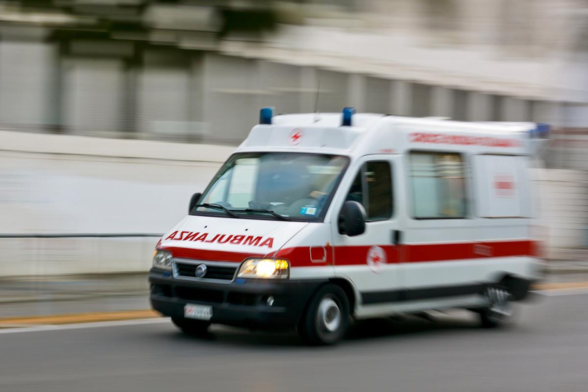 """В Николаеве """"скорая"""" дважды привозила ребенка в больницу / фото: ua.depositphotos.com"""