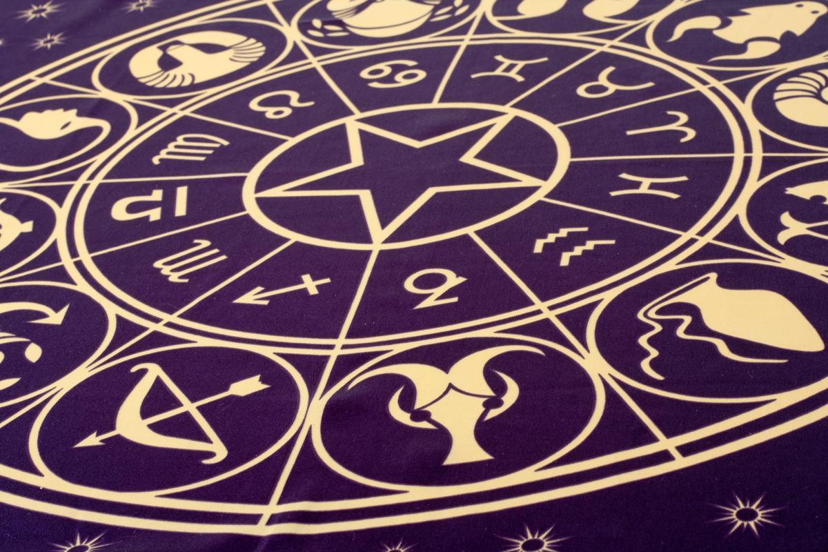 Гороскоп на 3 апреля солит удачу для многих знаков Зодиака / фото Depositphotos