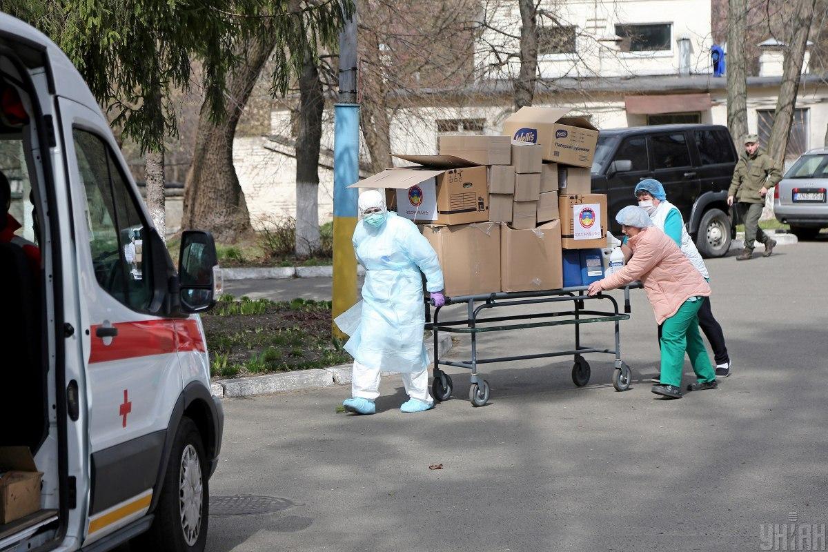 Среди инфицированных - трое медиков \ УНИАН
