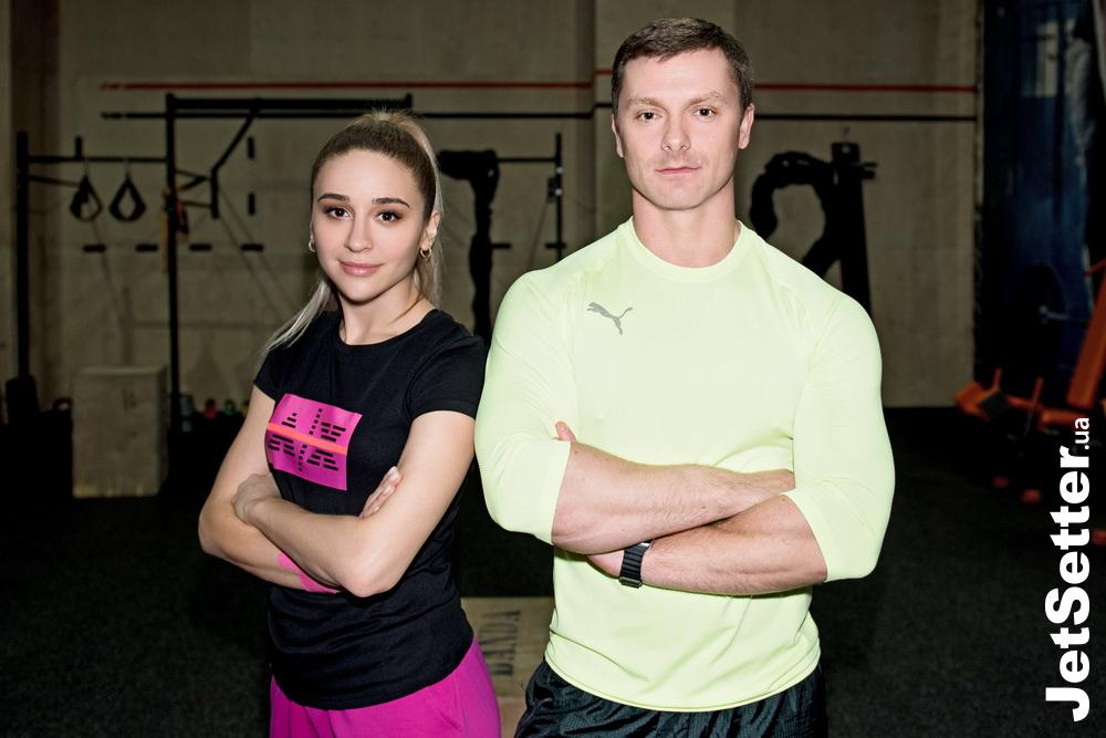 18:00, тренування; total look ARMANI EXCHANGE (intertop.ua)