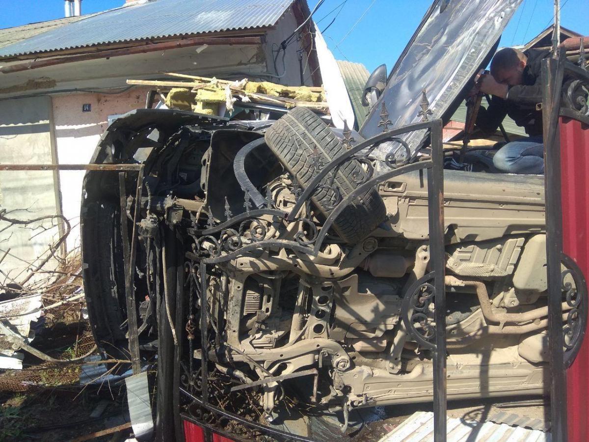 Porsche Cayenne повинні були відремонтувати/ патрульна поліція Чернівецької області