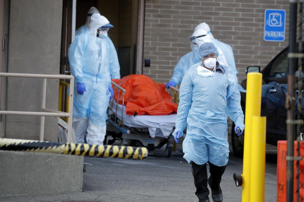 У світі розвивається епідемія коронавірусу / REUTERS