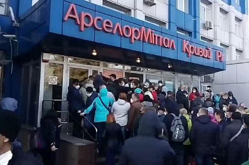 В масках и респираторах были единицы / 1kr.ua
