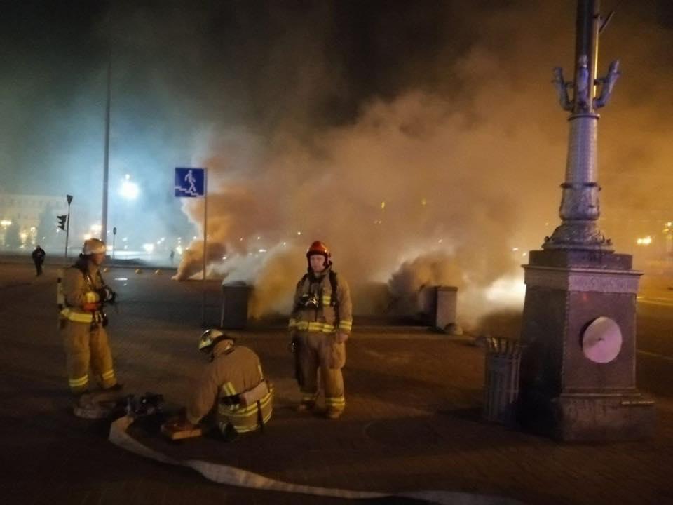 На Хрещатику вночі виникла пожежа/ Facebook, Віталій Кличко