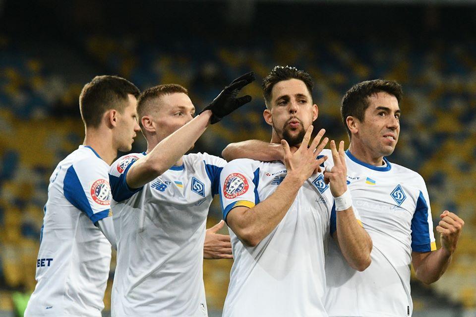 Футболісти Динамо залишаються вдома / фото: ФК Динамо