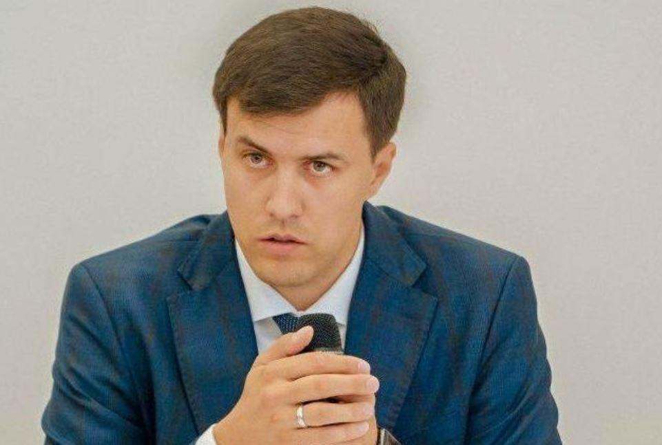 """Голова ГО """"Центр захисту киян"""" Віталій Нестор розповів про """"гарячу лінію"""" з питань карантину / УНІАН"""