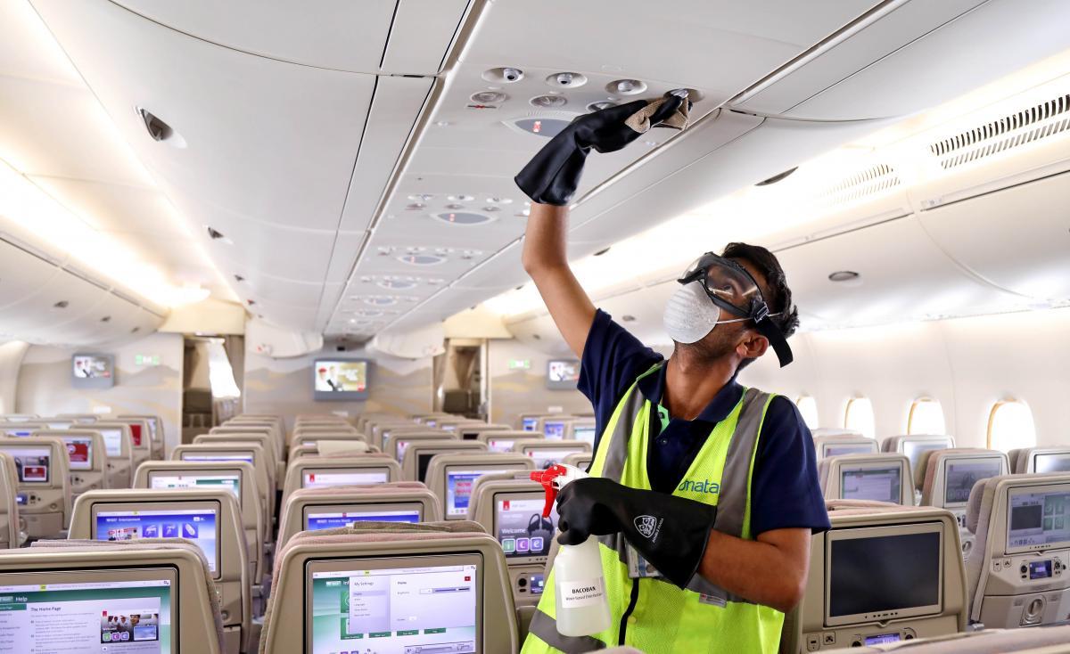 Коронавирус новости - перевозчики ОАЭ предлагают пассажирам бесплатное страхование от COVID-19 / REUTERS