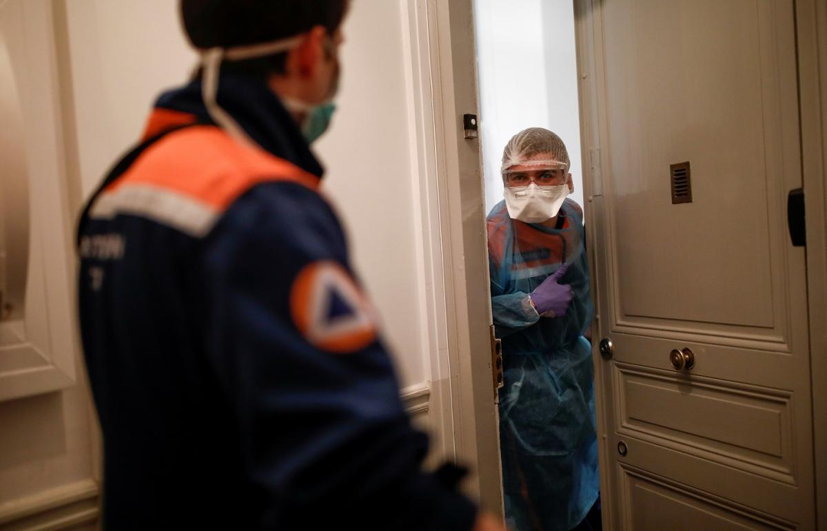 Во Франции новый антирекорд по больным COVID-19 \ фото REUTERS