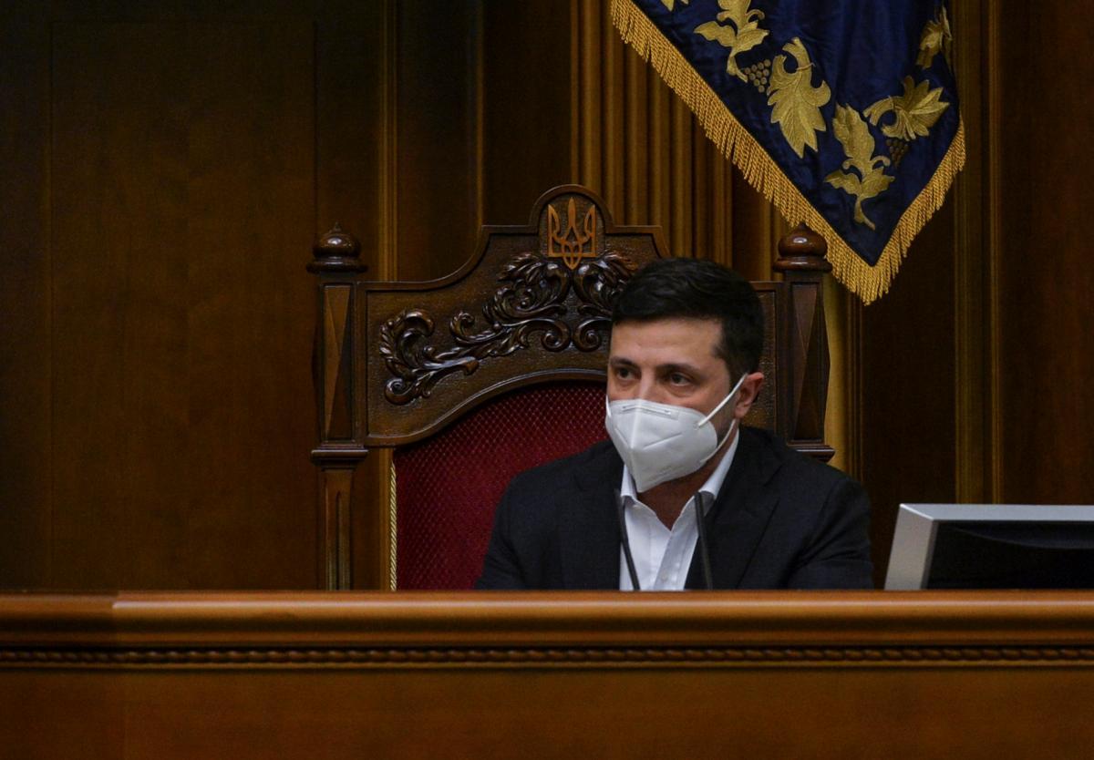 Володимир Зеленський виступаєвРаді / фото REUTERS