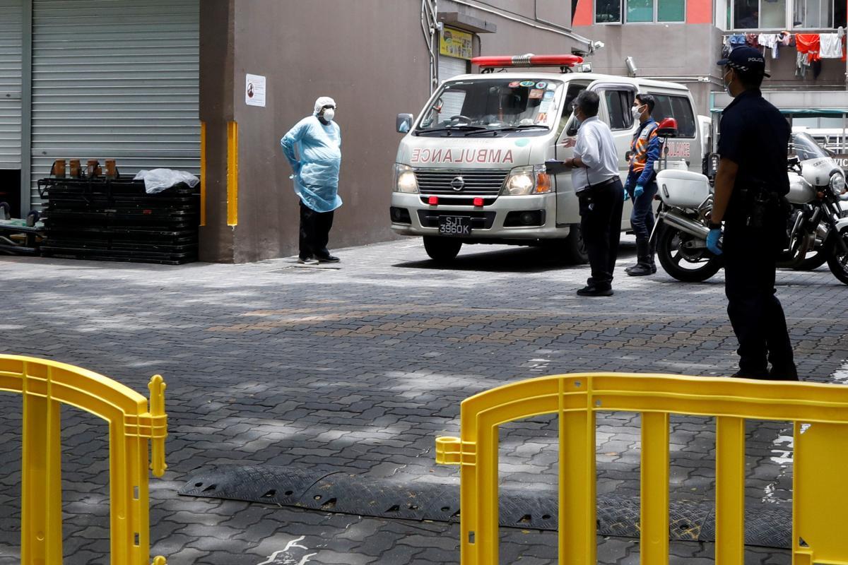 За нарушение карантина в Сингапуре установлена уголовная ответственность / REUTERS