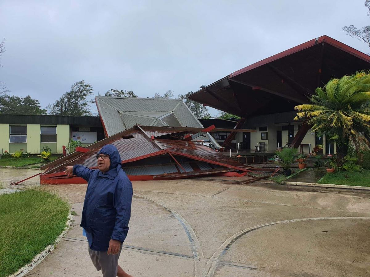 """Мощный тропический циклон """"Гарольд"""" обрушился на Вануату / twitter.com/IBIupdate"""