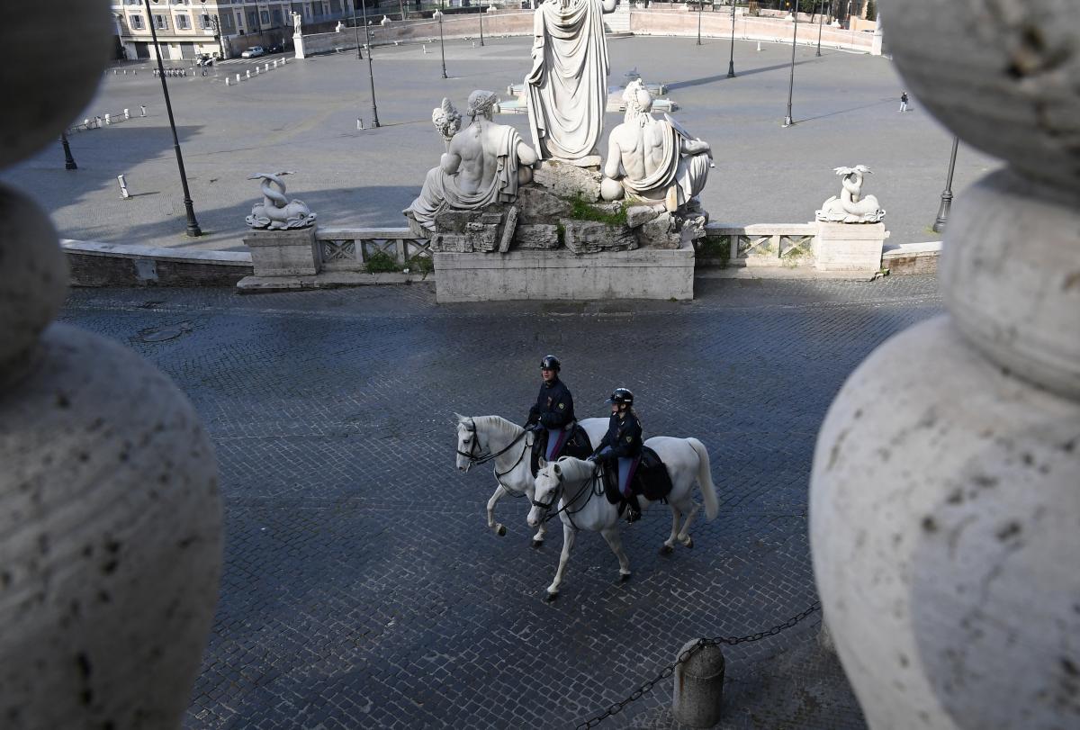 Жителям Италии запретят выходить из дома после 22:00 \ фото REUTERS