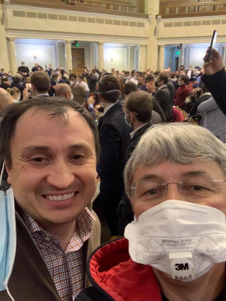 Олександр Ткаченко після голосування за відкриття ринку землі / фото УНІАН