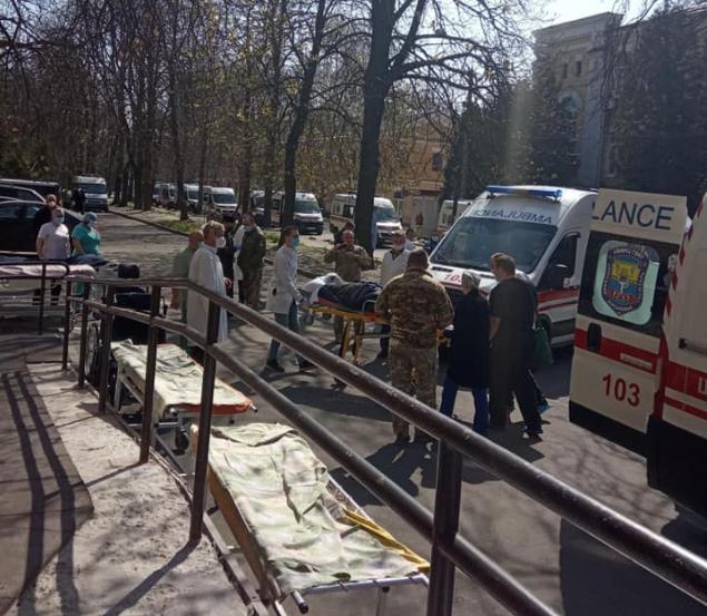 До Києва доставили поранених бійців / Facebook Тетяна Руденька