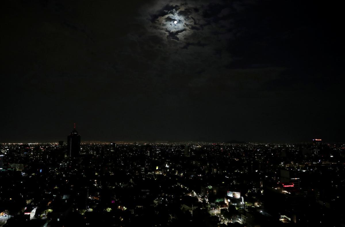 Новолуние 16 октября - что сегоднянельзя делать / фото REUTERS