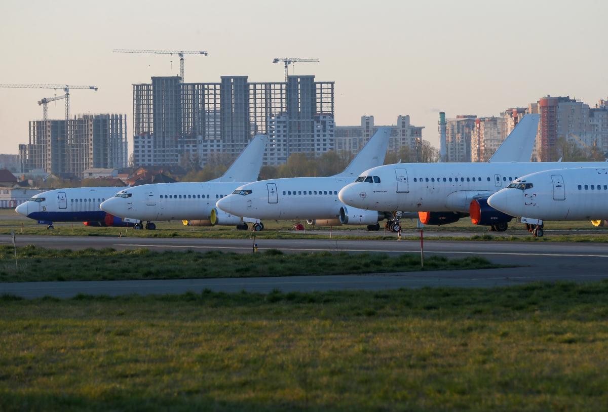 """В """"Жулянах"""" проведут реконструкцию взлетно-посадочной полосы \ фото REUTERS"""