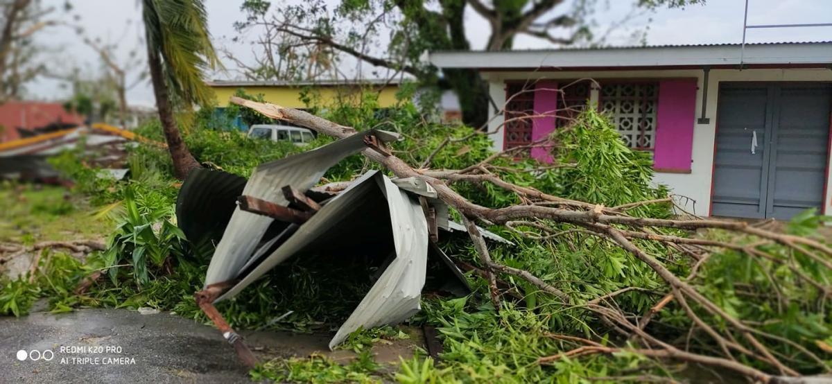 """Наслідки тропічного циклону """"Гарольд"""" / REUTERS"""