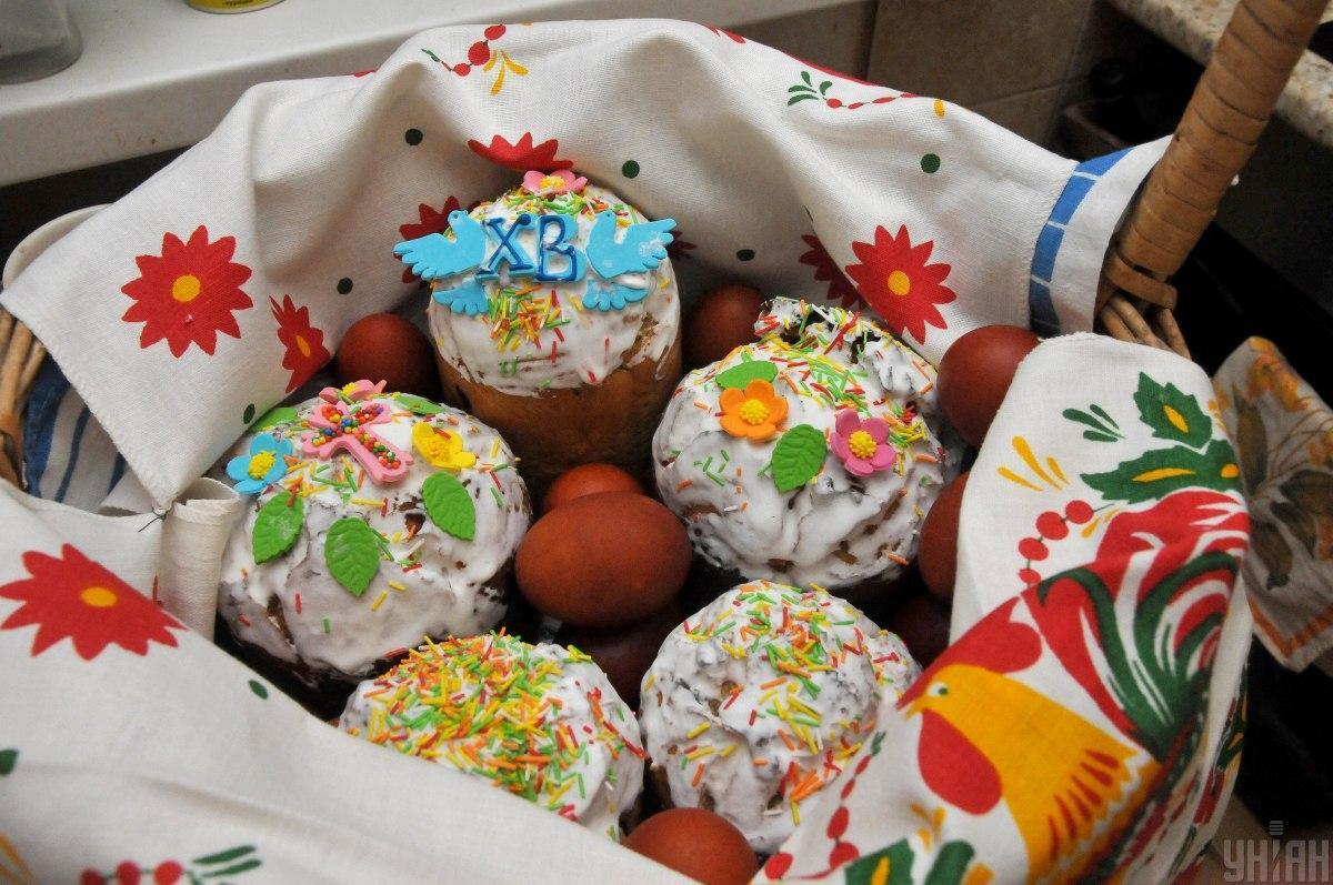 Освятить пасхальную корзину можно и в домашних условиях / фото УНИАН
