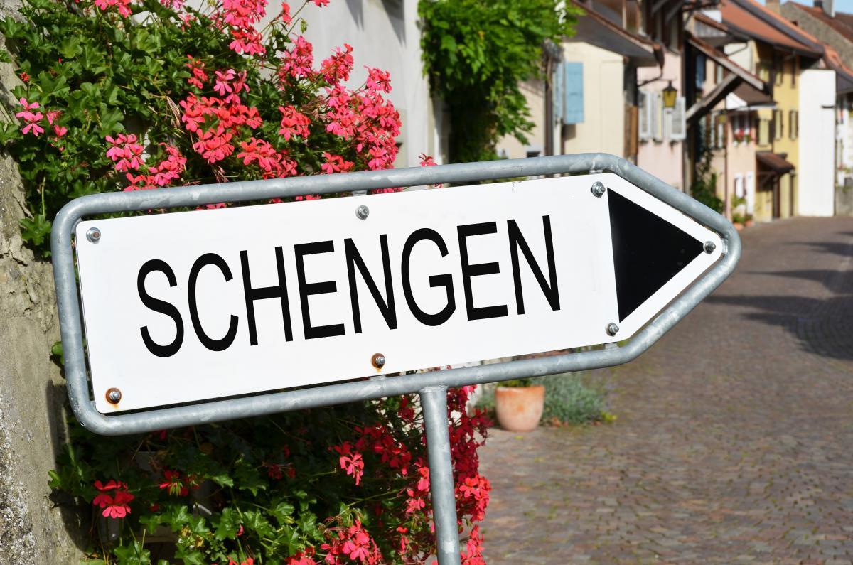 Заборону пересування всередині Шенгенської зони пропонують продовжити / фото Depositphotos