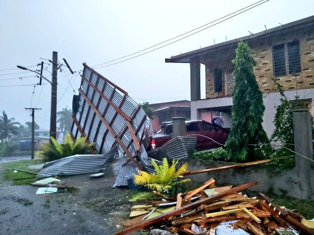 """Тропічний циклон """"Гарольд"""" накривФіджі / twitter.com/SemiTuraga"""