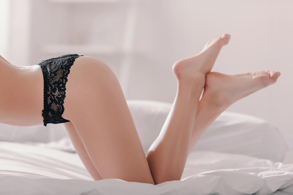 Скромные девушки разжигают страсть и показывают, кто здесь королева / фото ua.depositphotos.com
