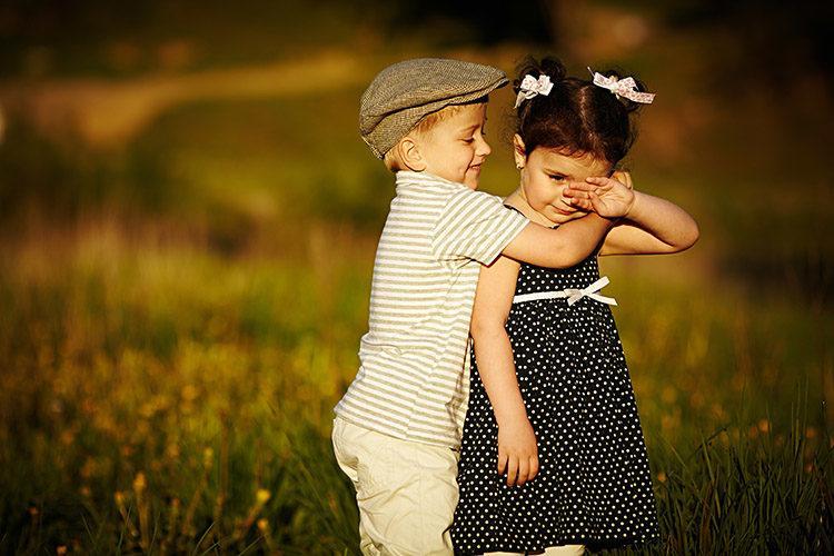 С Международным днем объятий - стихи и картинки / фото Shutterstock