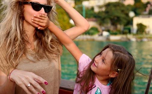 Лобода позує з донькою Євою / instagram.com/lobodaofficial