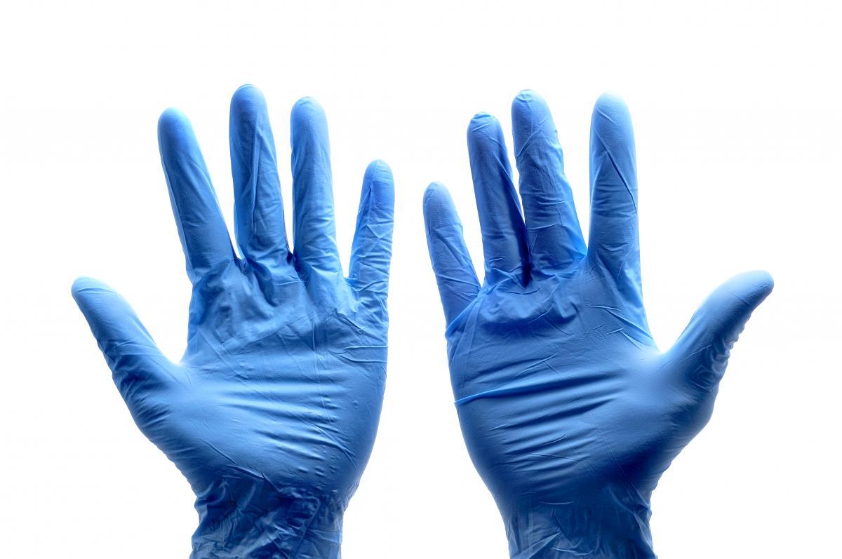Тщательно мойте руки после использования перчаток / фото ua.depositphotos.com
