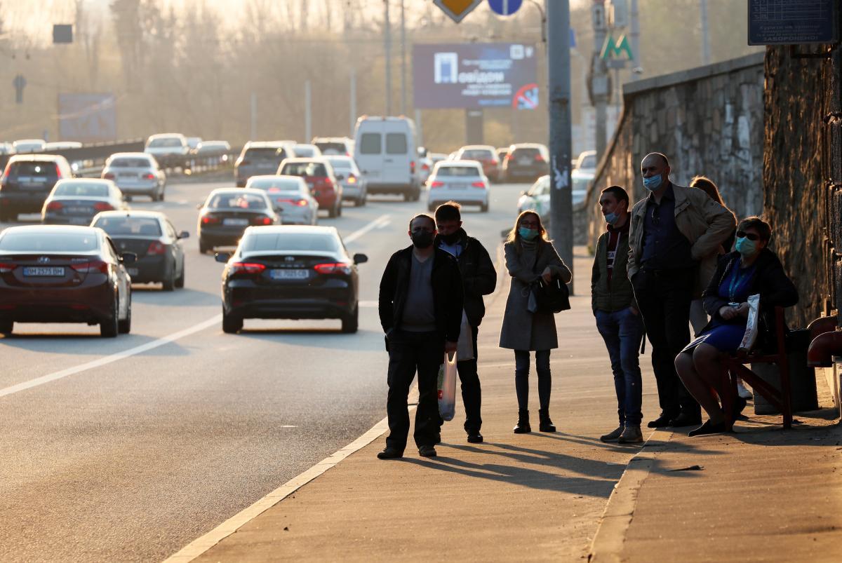 Растаможить машину в Украине станет легче / иллюстрация REUTERS