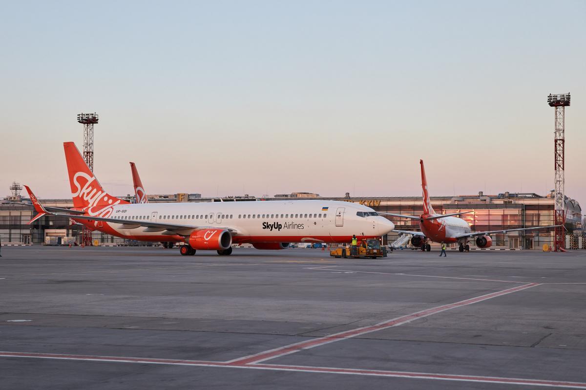 SkyUp відновила половину докарантинних польотів / фото president.gov.ua