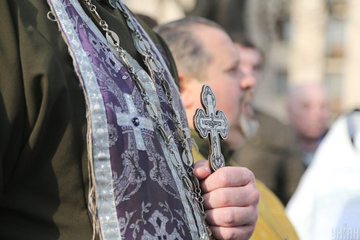 В Одессе на Пасху священники УПЦ МП будут стоять на перекрестках со свяченой водой и аудиозаписью богослужений / фото УНІАН