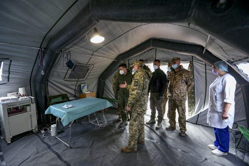 Зеленский 11 апреля прибыл на Донбасс инспектировать палаточный городок для инфицированных коронавирусом / president.gov.ua