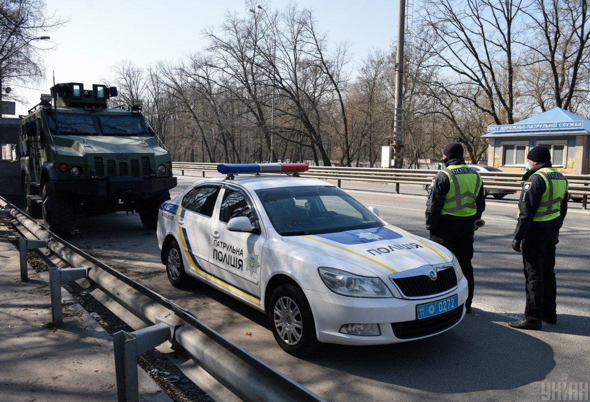 Будет усилен контроль на постах, выставленных на въездах в Киев / фото УНИАН