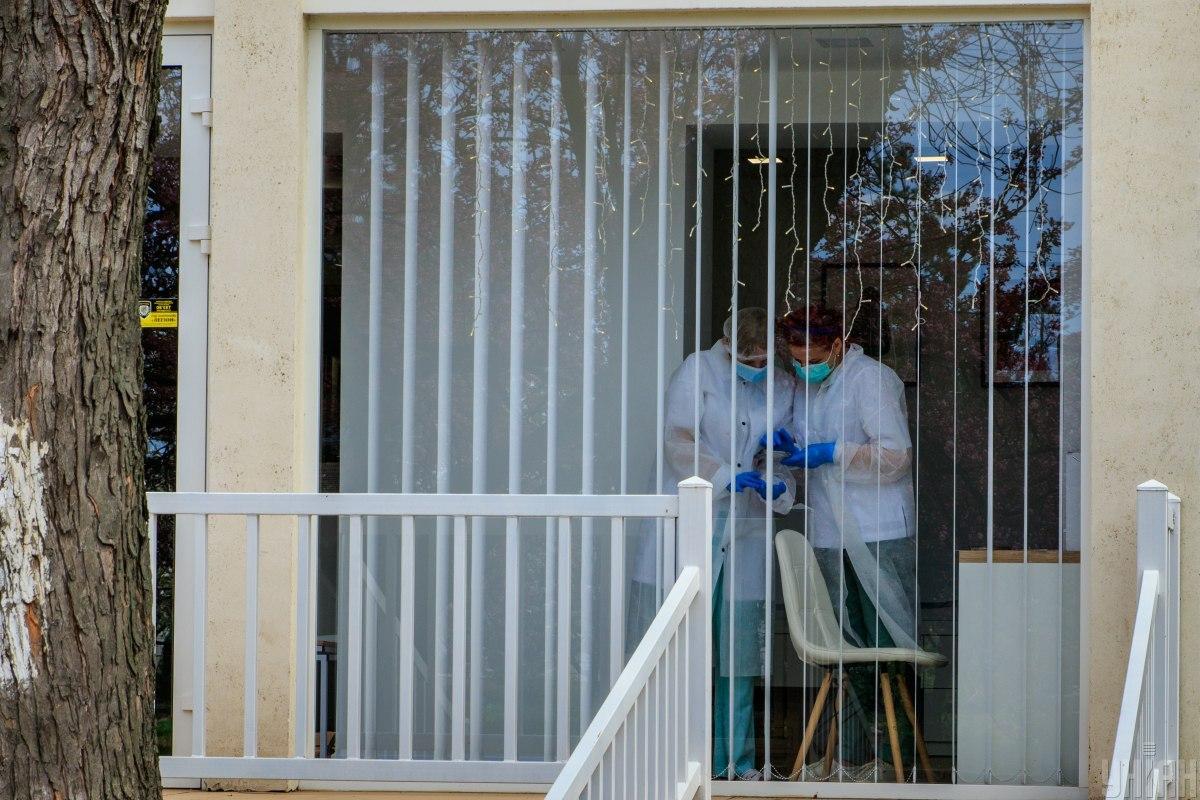 В Александровской больнице 13 медиков инфицированы коронавирусом / фото УНИАН
